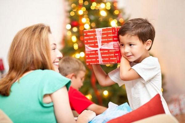 Quà tặng cho bé: 71+ món quà ý nghĩa, đặc biệt dành tặng bé yêu