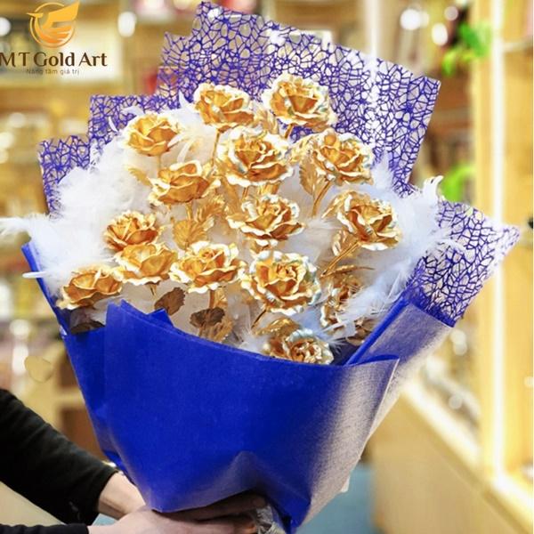 bó hoa hồng mạ vàng